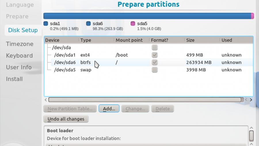 Linux Mint 12 KDE Completed Btrfs Partitions